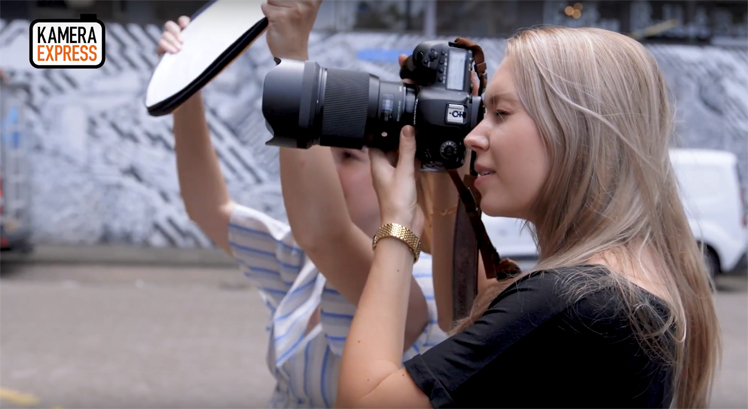 How To Use A 5 In 1 Reflector The Fashion Camera